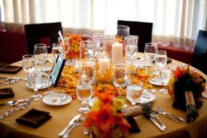 orange-table-setting-in-cabo